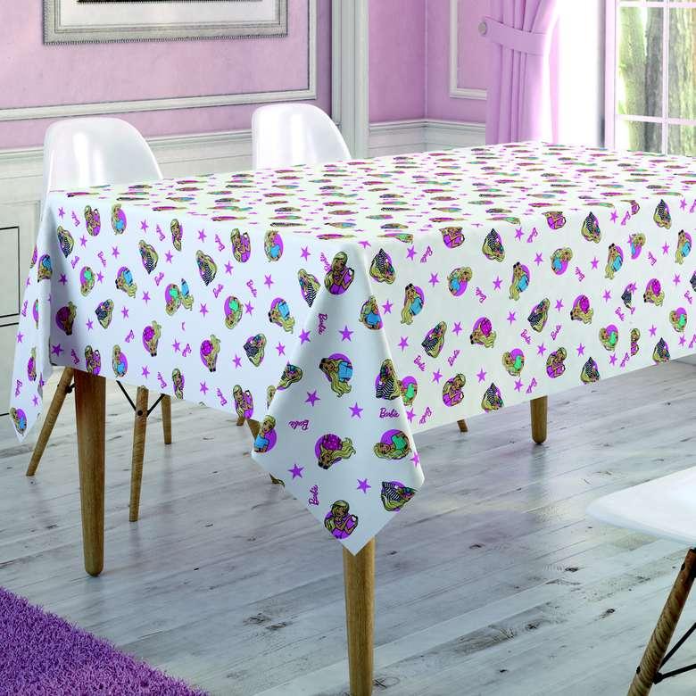Lisanslı Barbie Winter Masa Örtüsü (150x180 Cm)