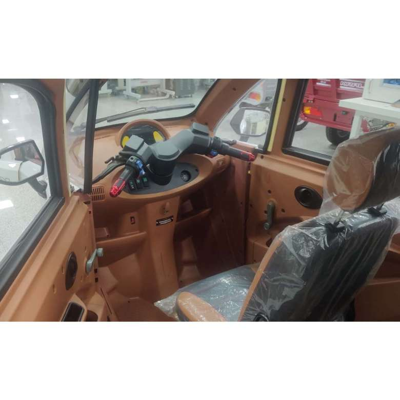 Elektrikli Araba Grande-5 - Kırmızı Beyaz